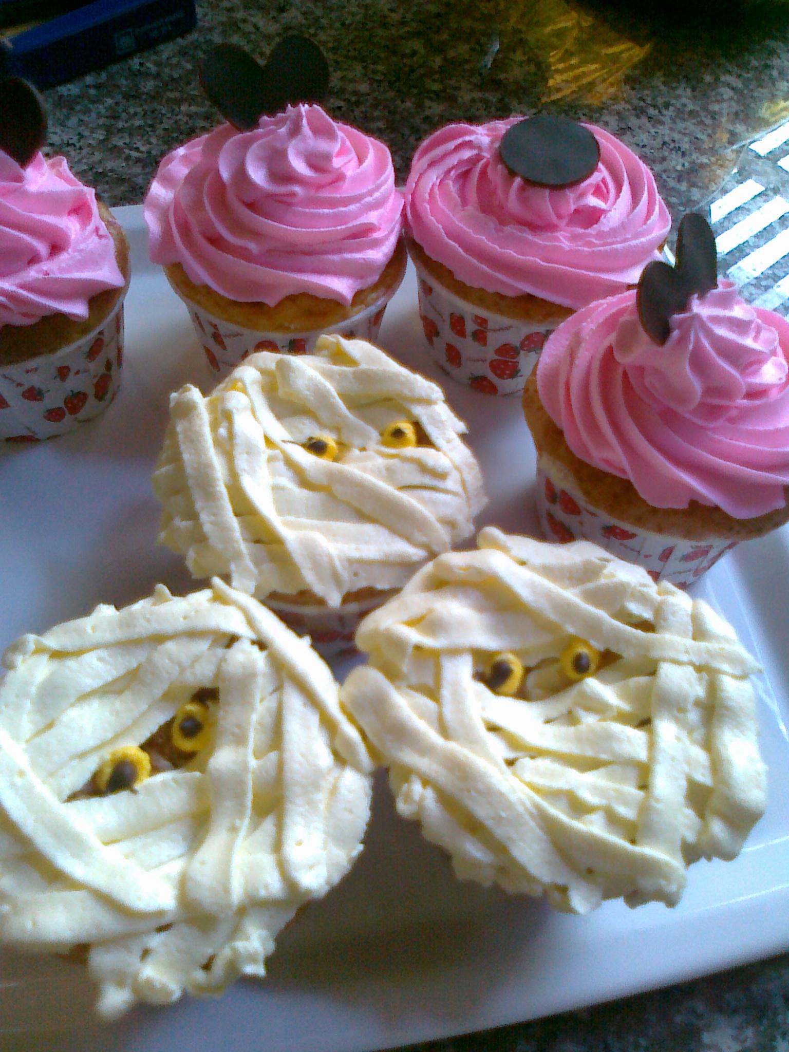 Mai Bakery มี cake ถ้วย หลายชนิด